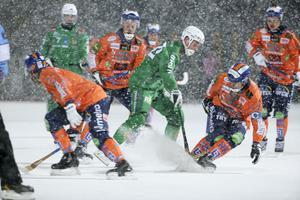 Hammarby och Bollnäs  delade på poängen – i en match som stördes av snön.