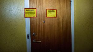Bostaden där kvinnan ska ha utsatts för mordförsöket spärrades av i samband med händelsen.Foto: Niklas Hagman