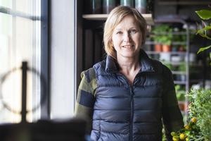 Jeanette Melin driver Forsa handelsträdgård.