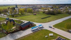 Socialdemokraterna vill att Sala kommun tillsammans med Region Västmanland och Länsstyrelsen ska trycka på Trafikverket för att få till en bättre lösning.