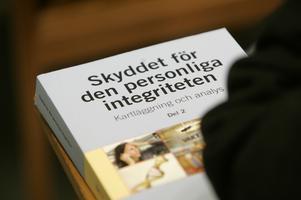 Redan 2007 beskrev en statlig utredning hur skyddet för personlig integritet brister, men statsägda Telia fortsätter att samla data. Foto: Fredrik Sandberg/TT/SCANPIX.