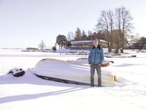 Vinterbilden 2004. Årets modell: Magnus Gustafsson. Medeltemperatur: -2,2. Nederbörd: 163,0. Foto: Ulf Eneroth.