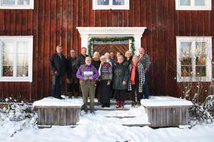 Delar av byaboksgruppen som skrivit och varit en del av Järvsöbyarna 18: Gunnar Larsson, Stig Norell, Per-Gunnar Eriksson, Alwa Woxlin, Karin Gisselman, Erik Björs, Eva Olsson, Julie Rodin Fry, Anders Björs, Jonas Kristofers, Brita Gustafsson, Gun-Britt Östberg och Gunilla Björs.