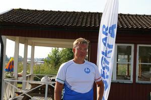 Peder Thunander, ledare för Askersunds seglarskola hoppas att man kan utbilda fler instruktörer och därmed kunna ta emot fler deltagare kommande år. Veckan som riktar sig till barn och ungdomar mellan 8- 15 år har lockat allt fler deltagare de senaste åren.