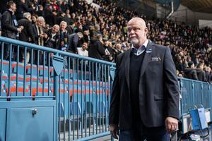 Roger Melin lämnar Hovet efter ännu en förlust, mot Djurgården i torsdags. Jesper Zerman/Bildbyrån