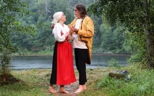 Kärleken mellan Tattar-Hans och Marit lyser upp i den annars så mörka berättelsen. Foto: Lisa Persson