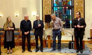 Inbjudarna Hasse Andersson, Göran Norlén och Kjell Larsson flankeras av Lina Sundqvist och Ronnie Sahlén. Foto: Christina Häggkvist