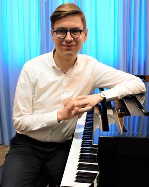Det finns bara en Glenn Gould och vi är väldigt olika. Varför ska man jämföras med andra hela tiden, undrar Vikingur Ólafsson, geniförklarad pianist.  Bild: Kerstin Monk