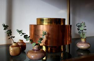Eukalyptus i små vaser.