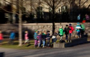 Barn behöver leka och röra på sig, inte minst på rasten.