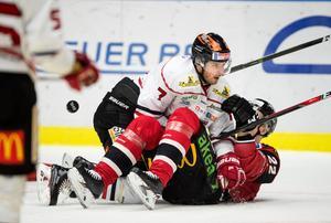 Två år kvar på kontraktet, men Alexander Hellström och Örebro Hockey är överens om att gå skilda vägar. Nu väntar en ny utmaning med moderklubben Björklöven.