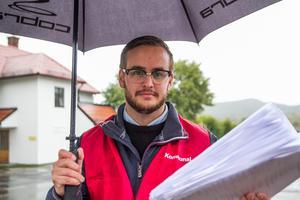 Facklige företrädaren Emil Thyr lämnar sina förtroendeuppdrag men blir kvar som medlem i Socialdemokraterna.