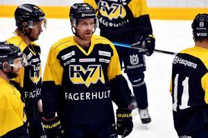 Joakim Andersson har skrivit på ett ettårskontrakt  med finska KooKoo.