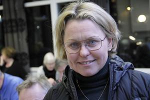 Att inte diskutera rondellen vid Höga, och övergång på Kyrksjönäsvägen före beslutet känns dåligt, tycker Maria Molin, (M).