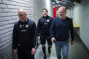 Fredrik Andersson, Ante Karlsson och Kent Norberg på väg till lunchrestaurangen.
