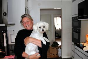 På måndag flyttar Ulrica Westlund, sambon Tim och hunden Wille ut ur lägenheten för att göra plats för gästarbetarna.