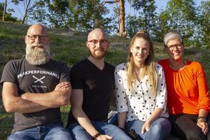 Familjen Amundrud inväntar Tommy Nilsson.