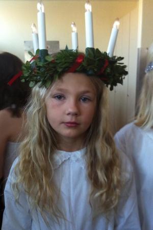Min dotter Isabella, här 9 år, Lucia på Wallerska skolan förra året.