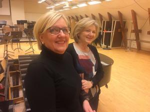 Eva Erdman, orkesterchef, och Karin Holdar, länsmusikchef, presenterar vårens program med Dalasinfoniettan.
