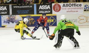 Tuomas Määttä kom till spel trots den tuffa smällen i Vänersborg. Och såg ut ungefär lika vass som vanligt – plus noterades för två mål.