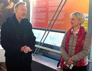 Berndt Arell, överintendent på Nationalmuseum och Ann Lindberg, ansvarig för kundundersökningar på Jernhusen, berättar om utställningen