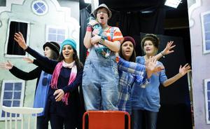Timrå teateresteter på den tiden det fanns ett livaktigt och kvalitativt gymnasieprogram med teaterinriktning i regionen.