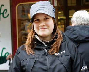 Sara Eriksson, 18 år, studerande, Trångsviken.– Ja, det hade jag tänkt. Jag vill se Takida, de har så härliga låtar.