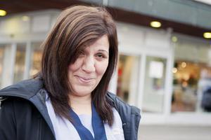 Eleham Al-Sayed, 41, Falun.–Jag tycker synd om dem. Man måste ha jobb och vi lever för att jobba.
