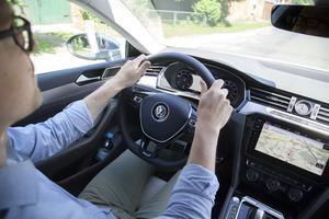 Volkswagen borde tagit ut svängarna lite mer och bjudit på lite extra i valet av inredning och instrumentering. Som att sitta i en tråkig VW Passat.