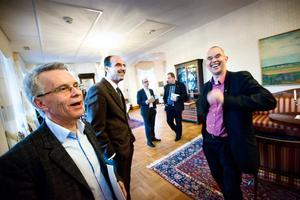Koalitionen samlades för att diskutera omvalet. Från höger: Lennart Bondesson(KD), Behcet Barsom(KD), Staffan Werme(FP).