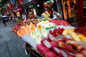 Matalternativ. Färsk frukt passar bra under de heta dagarna.