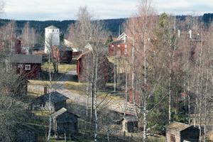 Utsikt mot hembygdsgårdsområdet.
