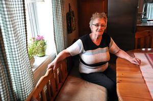 KÄMPE. Marianne Pettersson bor i utkanten av byn med sin make Göran. Marianne säger att hon genom pensionärsrådet kämpar för fler lägenheter till pensionärer i Tierp.