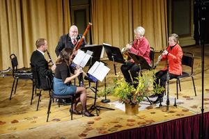 Höstmusik på fem - Nordiska Blåsarkvintetten gjorde sitt för att förjaga höstrusket.