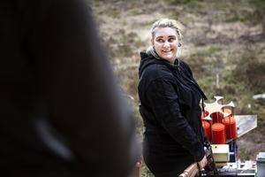 Thomina Sundström från Illsbo klarade även hon lerduveskyttet.