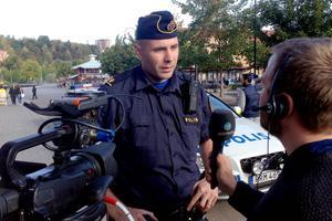 Polisen Christian Hald är på plats på Navet under knivdramat.