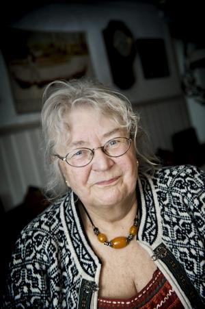 Inger Rondahl har sin farmors hem som fritidshus. Tillsammans med maken Rolf har de gjort en varsam renovering.