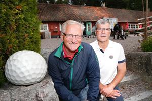 Roslagens GK:s ordförande Kjell Gustavsson och klubbchefen Göran Bryntesson laddar för en vecka fylld med aktiviteter.