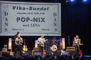 Popnix  med Andreas Eriksson, Stig Norén, Sten Åsberg, Simon Åsberg och Kaj Hansson i Sven-Ingvarslåten Jag ringer på fredag under annonsen från Vikasundet 52 år tidigare.