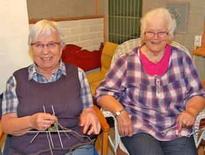 Carin Hökpers och Gisela Arnberg, 84 respektive 93 år unga, konstaterar att ålder inte spelar någon roll när man delar ett intresse.
