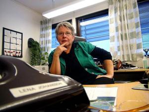 – Skönt att komma in till jobbet i Svenstavik, säger Lena Johansson som bor i det illa stormdrabbade Gillhov.