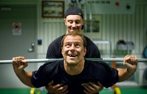 Niklas Lihagen, assisterad av Marcus Weinstock.