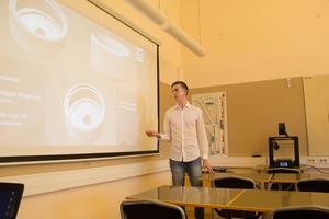 Anton Mosell visade prototyper som han och kamraten Martin Fredriksson har tagit fram.