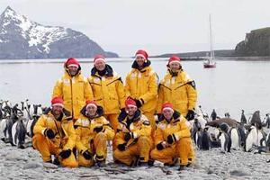 I sir Shackletons fotspår gick expeditionen där bland andra Fredrik Sträng (stående näst längst till höger), Ola Skinnarmo och journalisten Staffan Heimersson deltog.