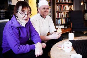 Bodil och Kenneth Westberg har drivit Fjällgården i 20 år, och de gör sitt bästa för att behålla den genuina pensionats-känslan. Nu för tiden är det mest skoteråkare bland gästerna.