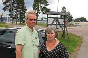 Per och Kathlyn Magnusson är hundägare som bryr sig om miljön.