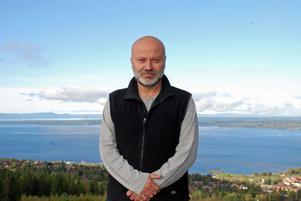 Mustafa Kuyucu berättar om Hälsomässan och välkomnar alla som arbetar för kropp och själv och en kärleksfull inställning till livet