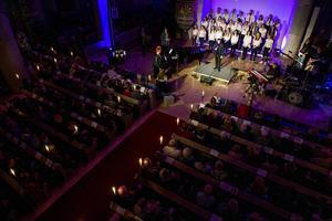 Drygt 400 personer var på plats i kyrkan för att delta i