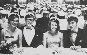 1966: Studentmiddag på stadshuset för 1966 års avgångselever.