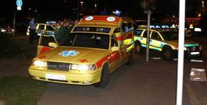 De som larmar ambulans bör ha medicinsk kompetens, tycker landstinget.